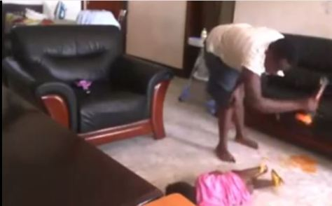 Girl mercilessly beating a child afrocosmopolitan-2